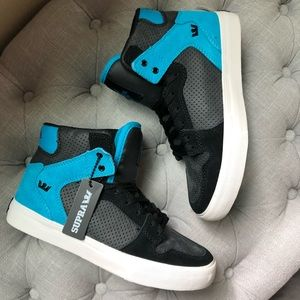 KIDS SUPRA Size 4 big Kids